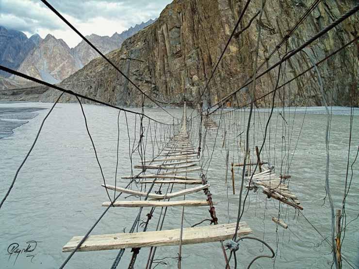 Les 20 ponts les plus dangereux au monde