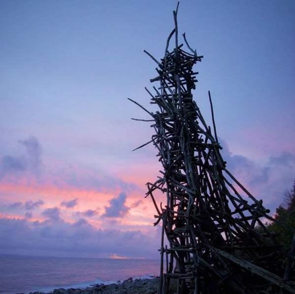 Cachée pendant des années, la découverte de cette étonnante structure mène à une nation secrète inconnue
